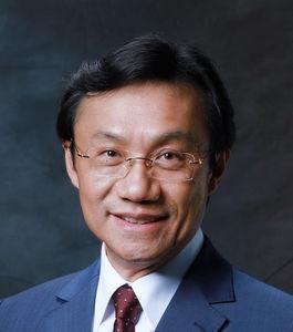 DoutorHonoris Causaa Alexis Tam Chon Weng.