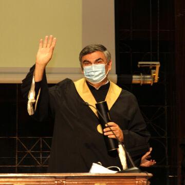António Cruz Serra recebe título de Reitor Honorário
