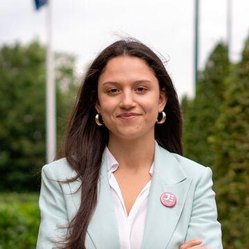 Estudante da Faculdade de Farmácia foi eleita Secretária Geral da Junior Enterprises Europe