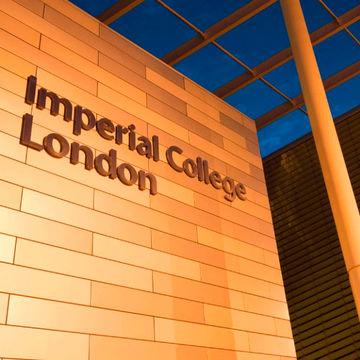 Alumni de Engenharia Física Tecnológica distinguidos pelo Imperial College London